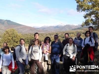 Grupo en la Sierra del Rincón- Sierra de Madrid; viajes de senderismo; excursiones y senderismo